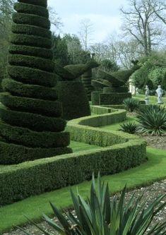 Famous Gardens, Amazing Gardens, Beautiful Gardens, Garden Landscape Design, Landscape Architecture, Garden Landscaping, Landscaping Design, Topiary Garden, Garden Art