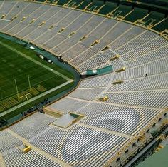 This Sunday's military appreciation cards being set up at Lsmbeau Field. I love our Packers! So proud to be an American and a Packer fan! Bears Packers, Packers Baby, Go Packers, Packers Football, Football Stadiums, Greenbay Packers, Green Bay Packers Fans, Green Bay Football, Baltimore Colts