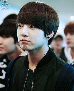 #JungKook So cute, so little😊🤗