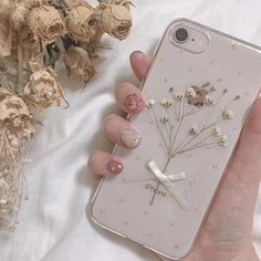 Phone, aesthetic phone case и kpop phone cases. Kpop Phone Cases, Diy Phone Case, Iphone Phone Cases, Phone Covers, Cute Cases, Cute Phone Cases, Tumblr Iphone Wallpaper, Homescreen Wallpaper, Apple Coque