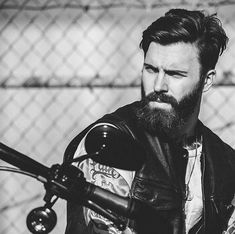 Men with tattoos and beards were never the type of guys we used to drool all over. Levi Stocke is proof! Best Beard Styles, Hair And Beard Styles, Beard Head, Kylie Scott, Beard Model, Sad Eyes, Great Beards, Types Of Guys, Beard Tattoo