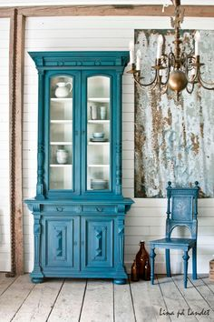 Two parts Aubusson Blue and One Part Florence Chalk Paint