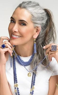 Grey Hair Over 50, Long Gray Hair, Grey Wig, Silver White Hair, Black Hair Ombre, Daniel Golz, Silver Haired Beauties, Grey Hair Inspiration, Peinados Pin Up