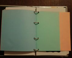 Caderno de folhas coloridas dentro so planner