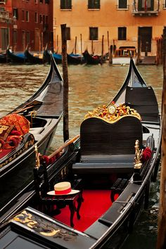 Cappello Photograph  -Veneza  Italy
