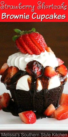 Show your friends and family the decadent side of summer with these easy-to-make individual Strawberry Shortcake Brownie Cupcakes #brownies #browniecupcakes #strawberryshortcake #strawberries #chocolate #strawberry #dessert #dessertfoodrecipes #southernfood #southernrecipes Brownie Cupcakes, Baking Cupcakes, Cupcake Cakes, Cake Cookies, Brownie Recipes, Cupcake Recipes, Dessert Recipes, Bbq Desserts, Cupcake Ideas