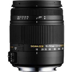 A 18-250mm F3.5-6.3 DC HSM OS Macro da Sigma é uma lente incrivelmente versátil, você pode carregar em qualquer situação. Com uma distância focal variando de uma grande angular de 18 mm até um zoom 250 mm, com recursos macro para arrancar. Sua construção termicamente estável Composto (TSC) mantém a estrutura da lente, com pouca variação, mesmo com mudanças de temperatura.