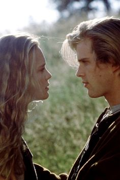 Robin Wright and Cary Elwes as Buttercup and the farmhand, Westley, in The Princess Bride Robin Wright, Romy Schneider, John Legend, Cute Love Quotes, Vintage Glamour, American Horror Story, Sam Elliott, Meaghan Martin, Roses Photography