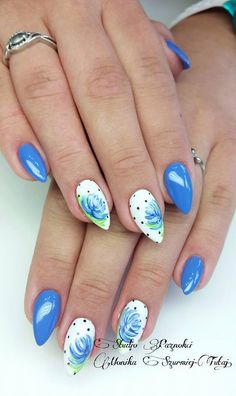 by Monika Szurmiej Tutaj Indigo Team - Follow us on Pinterest. Find more inspiration at www.indigo-nails.com #nailart #nails #indigo #flower
