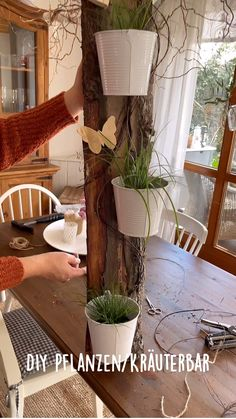 Diy Home Crafts, Diy Craft Projects, Diy Home Decor, Projects To Try, Decoupage Tins, Small Yard Landscaping, Deco Nature, Diy Bar, Growing Flowers