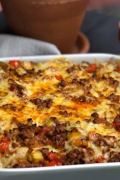 oven dish with leek, bell pepper and spicy minced meat Dinner Recipes Easy Quick, Easy Pasta Recipes, Baked Chicken Recipes, Healthy Crockpot Recipes, Healthy Meals For Kids, Easy Meals, Low Carb Vegetarian Recipes, Oven Dishes, Football Food