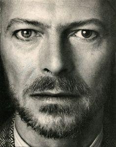 """New York proclama il 20 gennaio """"David Bowie Day"""".   Il Blog di Fabrizio Falconi: New York proclama il 20 gennaio """"David Bowie Day""""...."""
