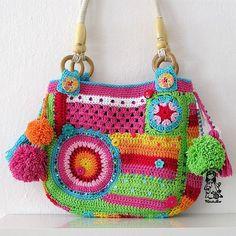 Crazy rainbow bag - photos of this cute crochet bag and the story about Crochet Diy, Bag Crochet, Crochet Shell Stitch, Freeform Crochet, Crochet Handbags, Crochet Purses, Love Crochet, Crochet Clothes, Irish Crochet