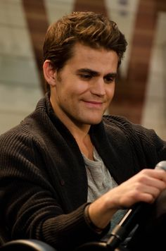 Happy Birthday Paul🌹🌹🌹 36 years old I wish you everything best Hugs and kisses 💕💕💕💕 Stefan Vampire, Stefan Tvd, Serie Vampire, Damon And Stefan Salvatore, Vampire Shows, Paul Wesley Vampire Diaries, Vampire Diaries Guys, Vampire Diaries The Originals, Movies