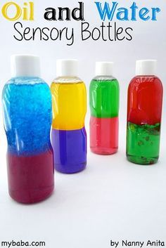 two tone oil and water sensory bottles for babies. It helps with visual development. Baby Sensory Play, Sensory Art, Sensory Boards, Sensory Bottles Preschool, Sensory Bins, Baby Sensory Bags, Sensory Bottles For Toddlers, Sensory Rooms, Sensory For Babies