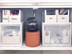 Bathroom Drawer Organization, Sink Organizer, Home Organization Hacks, Under Sink Organization Kitchen, Organized Bathroom, Organize Under Sink, Organize Bathroom Drawers, Under Bathroom Sink Storage, Under Sink Drawer