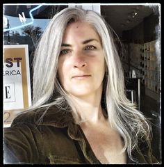 This makes me wish my hair was more gray  than it is. Something to look forward to.