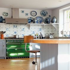 Traditional soft grey kitchen