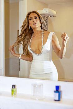 Beautiful Models, Jennifer Lopez, White Dress, Formal Dresses, Hair Styles, Women, Twitter, Female Celebrities, Divas