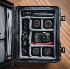 "Canon Pro Gear on Instagram: ""Canon R5 + RF 24-70 F2.8L + EF 100 + F2.8L macro + EF 50 F1.2 L +EF 16-35 F2.8L Photo by @field_made_co"" Camera Tips, Camera Hacks, F1, Canon, Instagram, Cannon"