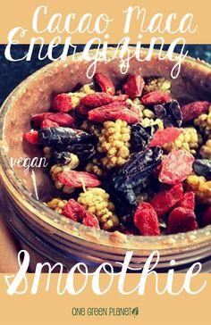 Cacao Maca Energizing Smoothie [Vegan, Gluten-Free] - One Green Planet Vegan Smoothie Recipes, Healthy Green Smoothies, Pureed Food Recipes, Vegan Recipes, Cooking Recipes, Yummy Recipes, Avocado Smoothie, Vegetable Recipes, Eating Raw