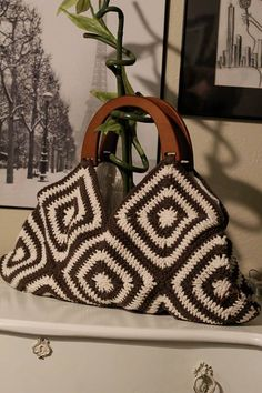 Crochet bag. Brown and tan #crochet bag. I create this for my friend Evelyn and I love it!