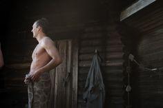 KIVIKKO, washed linen towels Design Marja Rautiainen Made by Lapuan Kankurit Spa Sauna, Finnish Sauna, House By The Sea, Linen Towels, Terry Towel, Sustainable Design, Finland, In This Moment, Statue