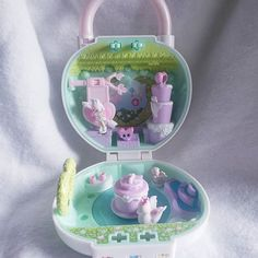 Mini Stuff, Dollhouse Toys, Polly Pocket, Toy Boxes, Little Things, Pretty Little, The Secret, Nostalgia, Lunch Box