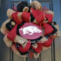 (http://www.thewreathshop.com/products/burlap-razorback-wreath-university-of-arkansas-wreath.html)