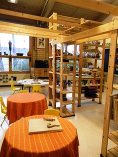 Atelier. For more inspiring classrooms visit: http://pinterest.com/kinderooacademy/provocations-inspiring-classrooms/ ≈ ≈