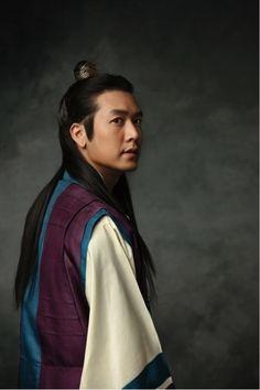 daughter-of-an-emperor-soo-baek-hyang-jo-hyun-jae-charisma-and-details.jpg (500×750)