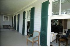 Great windows - 130 Broad St, Charleston, SC 29401