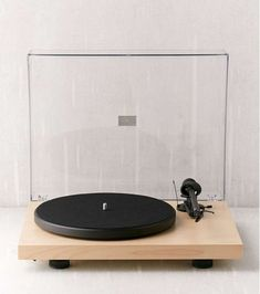 Platine vinyle - Crosley C10 Gadgets, Deco Design, Turntable, Music Instruments, Interior Design, Boutique Stores, Luxury Gifts, Ipad Sleeve, Vintage Cameras