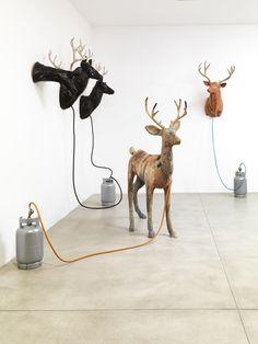 Omaggio a Dennis Oppenheim… Electric City a Merano Dennis Oppenheim, Class Projects, Sculpture Art, Deer, Contemporary Art, Moose Art, City, Milano, Electric