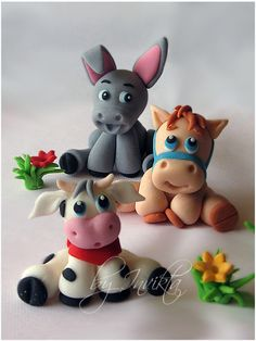 Farm Animals cake toppers. Wanna make these for Lilys 3rd B-day cake:)