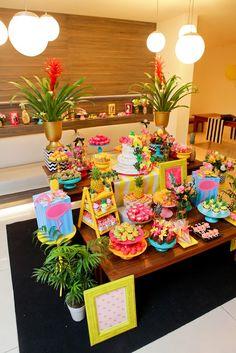 Loving all the colors on this! Hawai Party, Aloha Party, Hawaiian Luau Party, Moana Birthday Party, Hawaiian Birthday, Moana Party, Luau Birthday, Tropical Party, Flamingo Party