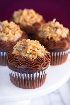 German chocolate cake in cupcake version by Cooking Classy look so fancy and savourily. German Chocolate Cupcakes have delicious and simple to make, one bowl Cupcake Recipes, Cupcake Cakes, Dessert Recipes, Kid Cakes, German Chocolate Cupcakes, Chocolate Cheesecake, Chocolate Desserts, Yummy Cupcakes, Tiramisu Cupcakes