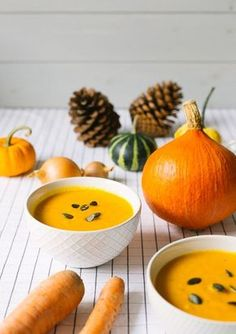 Cook delicious pumpkin soup (without coconut milk)- Leckere Kürbissuppe (ohne Kokosmilch) kochen Recipe: creamy pumpkin soup! Fall Recipes, Soup Recipes, Vegetarian Recipes, Healthy Recipes, Cooking Recipes, Vegetable Soup Healthy, Vegetable Drinks, Creamy Pumpkin Soup, Boiled Vegetables