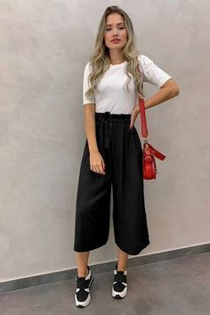 7 fashion pants for women that serve as anti-skinny jeans, ., - - 7 fashion pants for women that serve as anti-skinny jeans, Source by Edgy Outfits, Mode Outfits, Cute Casual Outfits, Outfits Mujer, Party Outfits, Casual Shorts Outfit, Fashionable Outfits, Dance Outfits, Jean Outfits