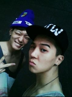 Omg omg two of my favourite rapper. *dies* #mino #bobby