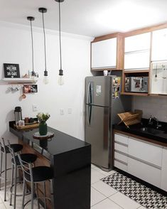 33 Attractive Small Kitchen Design Ideas (A Solution for Budget Kitchens) Kitchen Room Design, Home Room Design, Kitchen Sets, Kitchen Layout, Interior Design Kitchen, Kitchen Small, White Kitchen Decor, Home Decor Kitchen, Kitchen Furniture