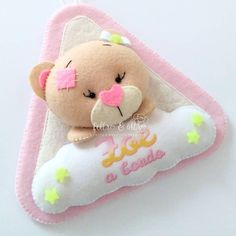 Baby Shower Crafts, Sock Dolls, Baby Mobile, Felt Baby, Baby Gifts, Diy And Crafts, Banner, Teddy Bear, Scrapbook
