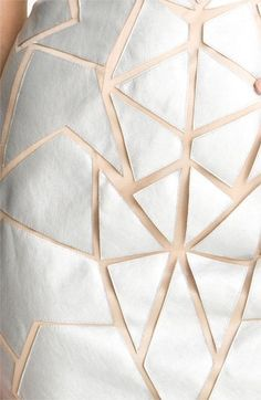 Inspiration of leather Kintsugi, Kleidung Design, Geometric Fashion, Techniques Couture, Origami Fashion, Textile Texture, Pattern Drafting, Fabric Manipulation, Nordstrom Dresses