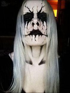 Evil-Scary Halloween Face Paint Ideas For Women  #ScaryHalloweenMakeup #HalloweenMakeup #ScaryFacePaint