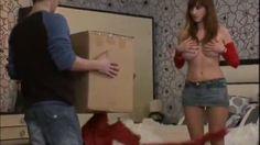 Pridržite mi kutiju - seksi skrivena kamera