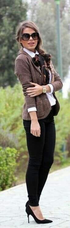 Black skinny pants, black heels, white shirt, brown tweed blazer