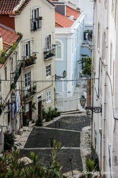 Escadinhas de São Crispim, Alfama, Lisbon, Lisboa, Portugal
