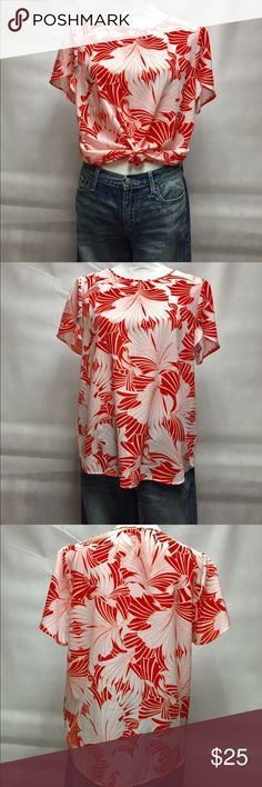 Lively Hawaiian Print Blouse 🌺🌺🌺 Gorgeous pattern and eye popping orange make this the perfect addition to your Summer wardrobe! I wore this once so it is like New, but I ripped the whole tag off when I originally bought it. I don't know what brand but it's a gorgeous Blouse. Wear tucked or not or knotted, with jeans, capris or shorts. BELLA ❤️❤️❤️❤️❤️ Tops Blouses