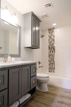 White Subway Tile Bathroom Design 16 Beautiful Bathrooms with Subway Tile White Subway Tile Bathroom, Best Bathroom Tiles, Bathtub Tile, Bathroom Tile Designs, Bathroom Colors, Modern Bathroom, Small Bathroom, Bathroom Ideas, Zebra Bathroom