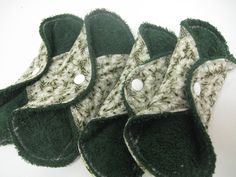 Green Regular Cloth Pads - Set of 4 with PUL Mama Cloth, Cloth Pads, Carbon Footprint, 6 Years, Making Out, Just In Case, Bee, Health Products, How To Wear